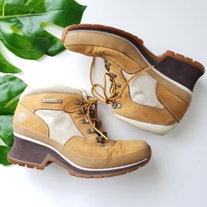 Timberland 19340 suede leather heel ankle boots